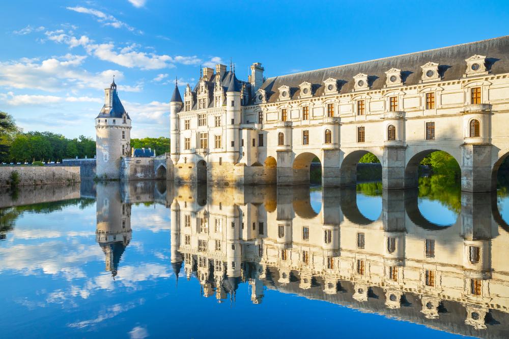 Stále popri kanáloch a riekach. Francúzsky hrad Chateau de Chenonceau. EuroVelo 6. Foto: Shutterstock