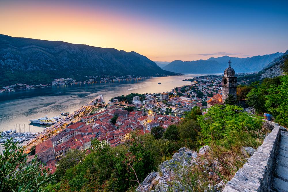 Záliv Kotor v Čiernej hore. EuroVelo 8. Foto: Shuttestock