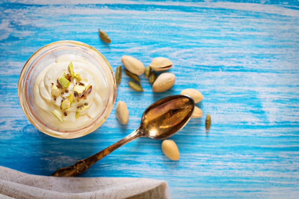 Na to, aby sme B12-tky mali dostatok z mliečnych výrobkov, museli by sme ich zjesť až príliš veľké množstvo. Foto: Shutterstock