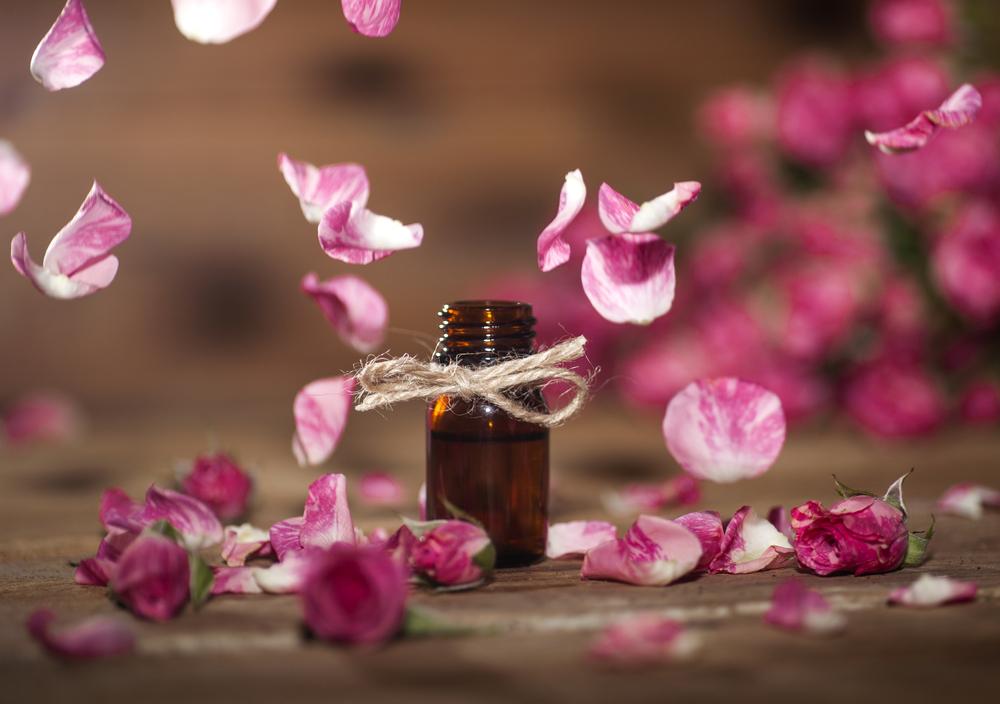 Ružový olej. Foto: Shutterstock