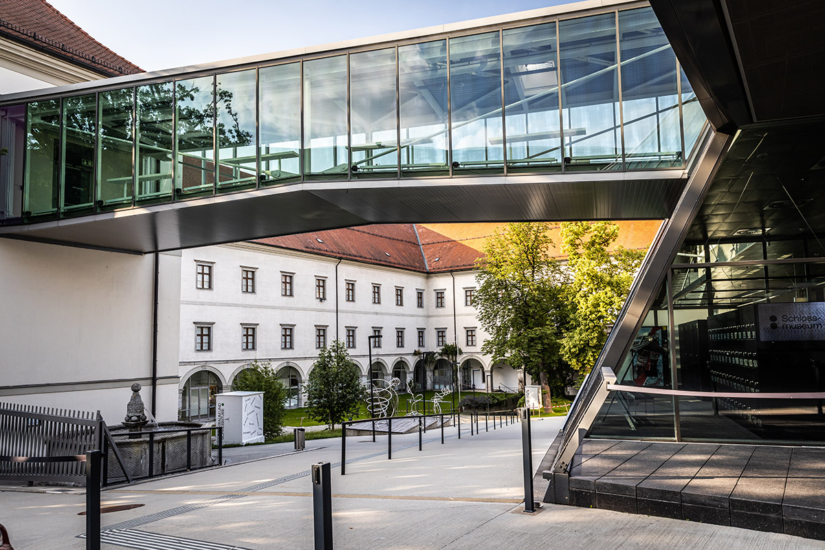 Linz sa nebojí odvážnych kombinácia moderny so starobylou architektúrou.