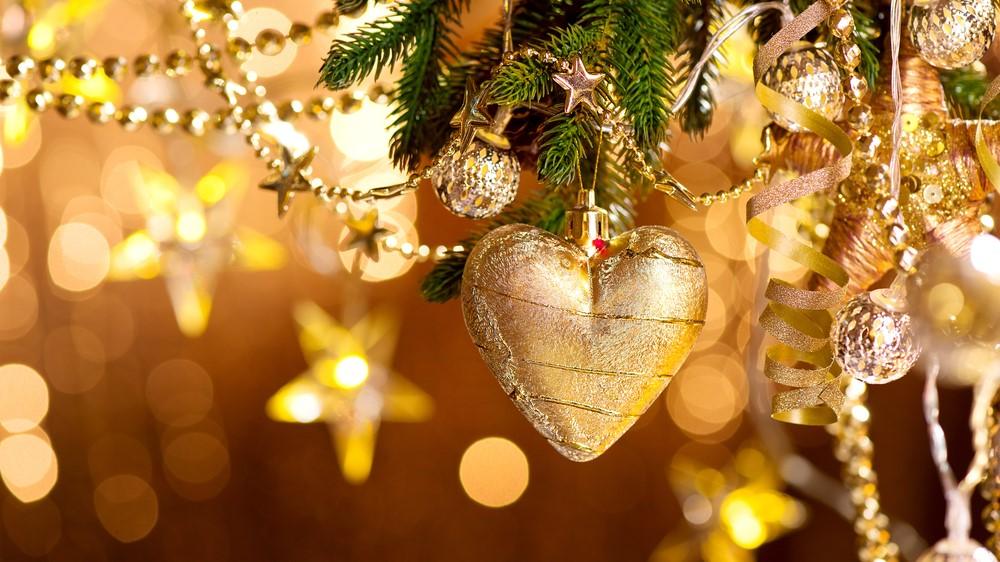 Zlatá ako dominantná farba na Vianoce