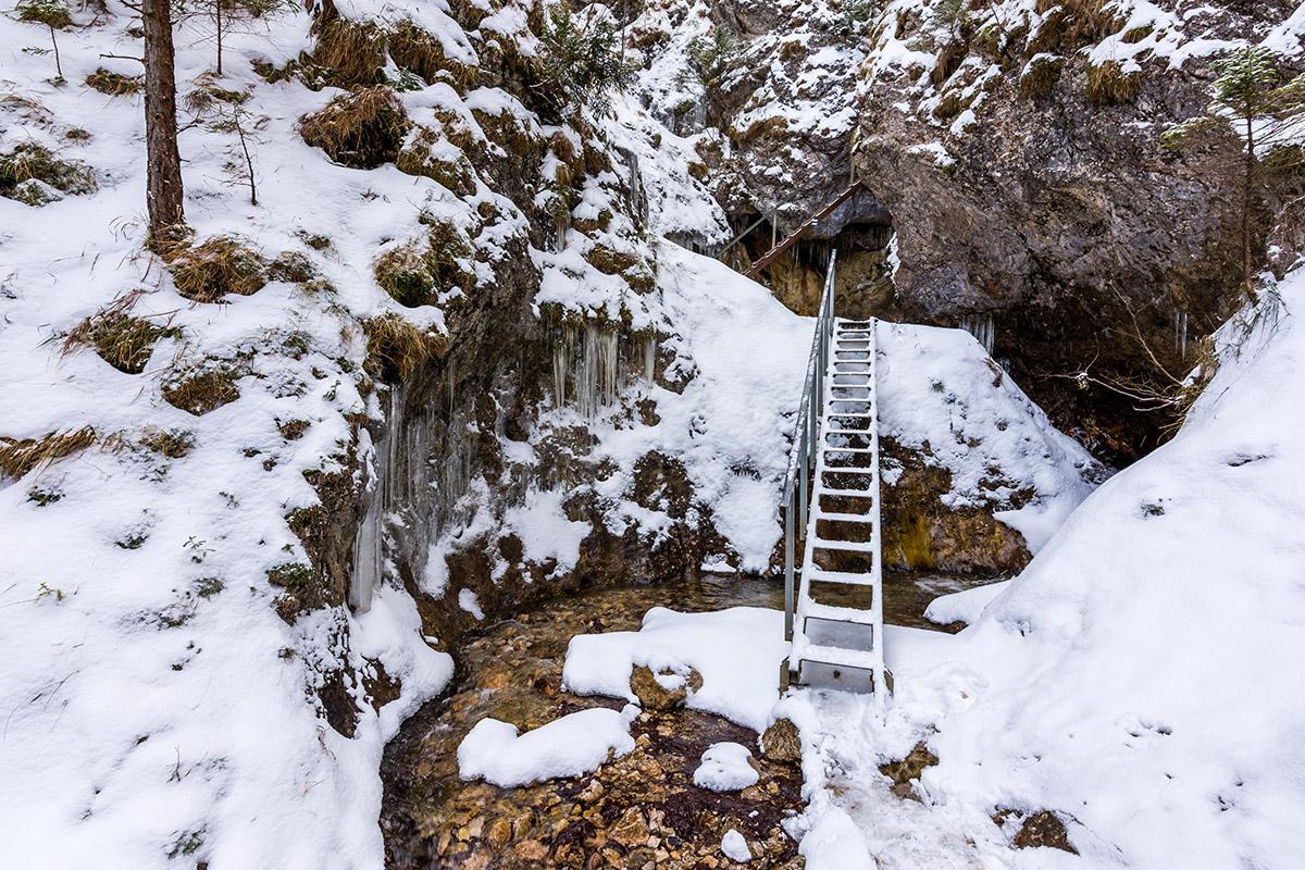 Jánošíkove diery v zime. Foto: Shutterstock