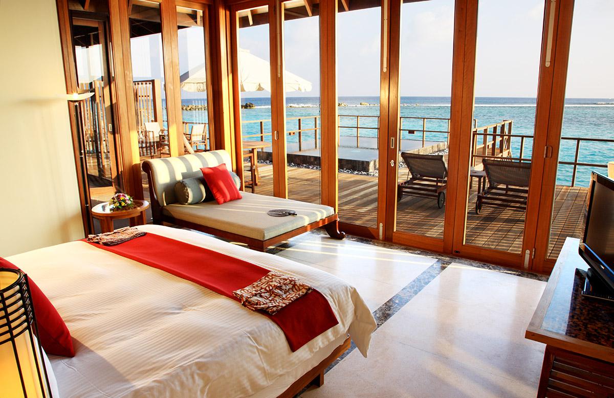 Spálňa s terasou, Paradise Island, Maldivy.