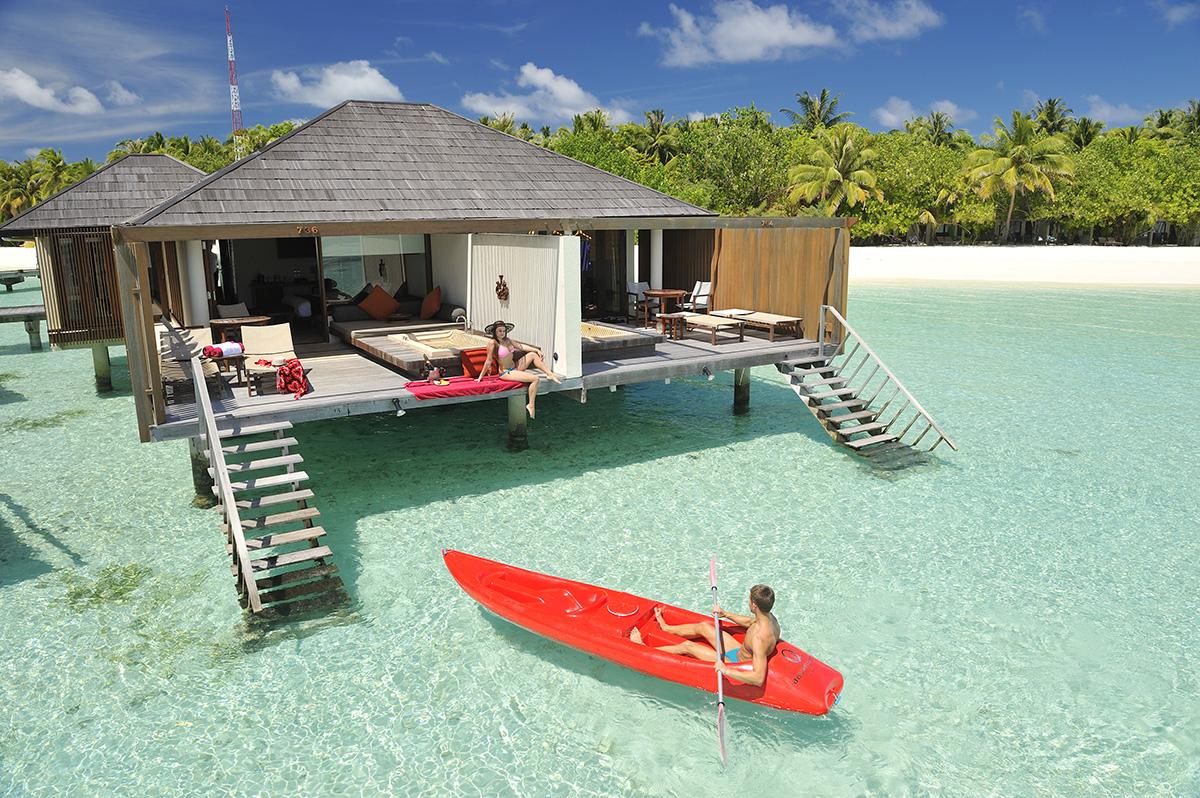Vily na vode, Paradise Island, Maldivy.