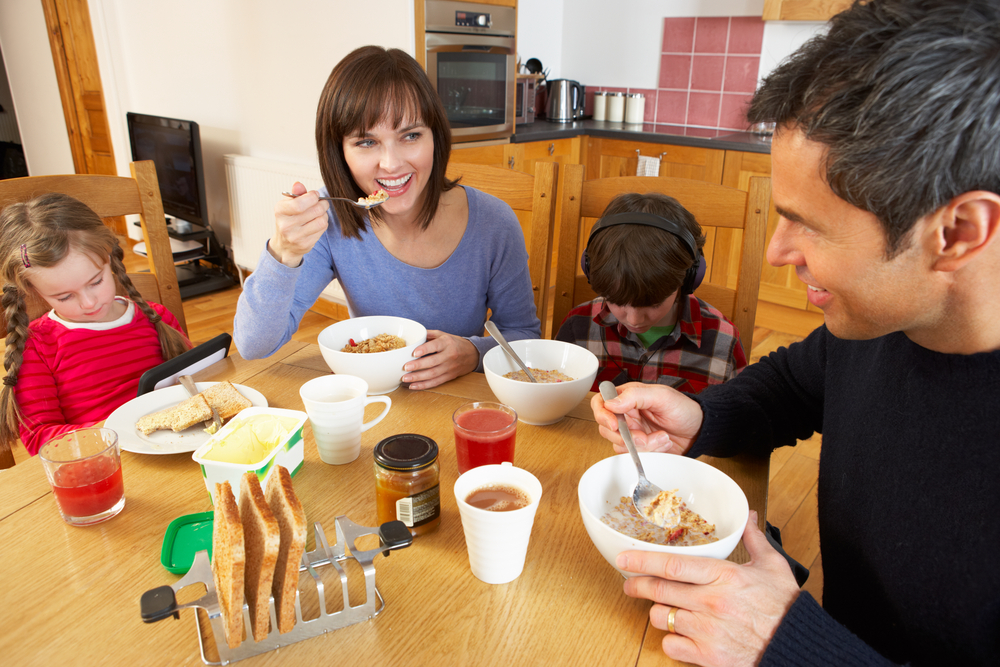 Menej online, viac s rodinou. Foto: Shutterstock