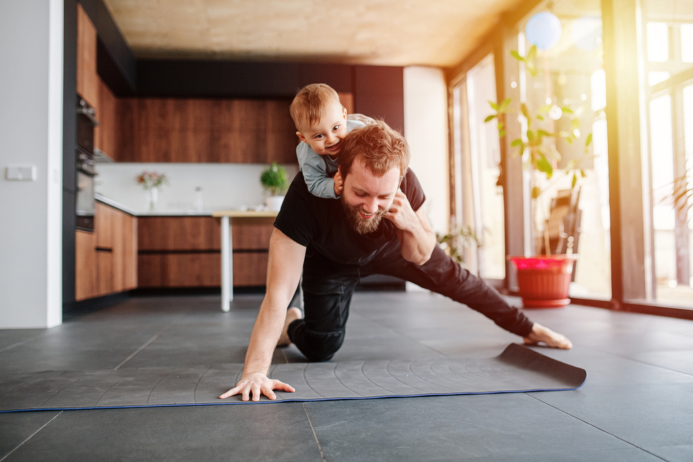 Cvičenie s vlastnou hmotnosťou vám prinesie želaný efekt. Foto. Shutterstock