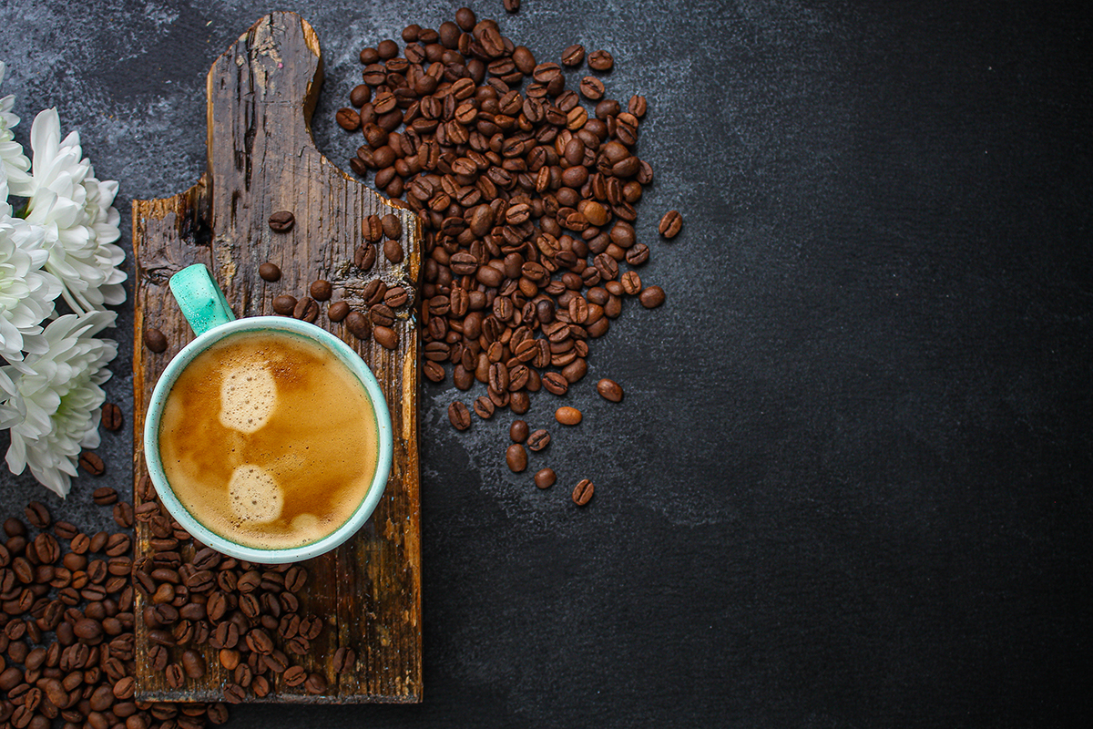 Nie každého žalúdok zvláda nápoje s obsahom kofeínu pred behom, na druhej strane kofeín pomáha zvýšiť výkon. Foto: Shutterstock