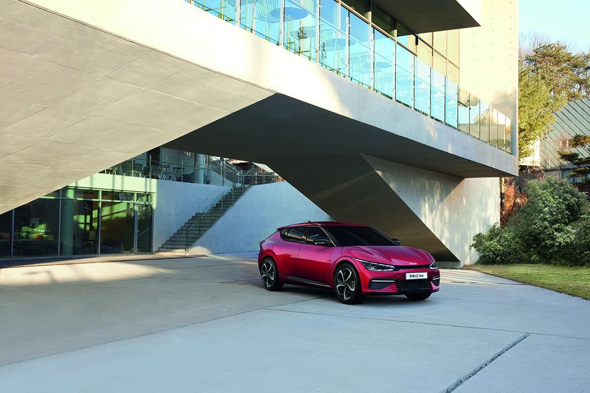 Auto môže poslúžiť aj ako núdzový zdroj energie pre domácnosť.